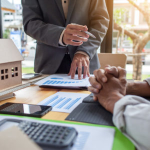 Finding the Right Broker: How to Choose the Right Mortgage Broker
